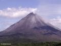 Een rondje om Laguna de Arenal brengt je dichtbij Volcán Arenal