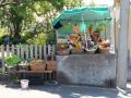 Camacha (Achadinha): fruitstal tegenover snack-bar Moisés