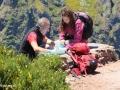 Pico do Arieiro: wandelaars bestuderen de route