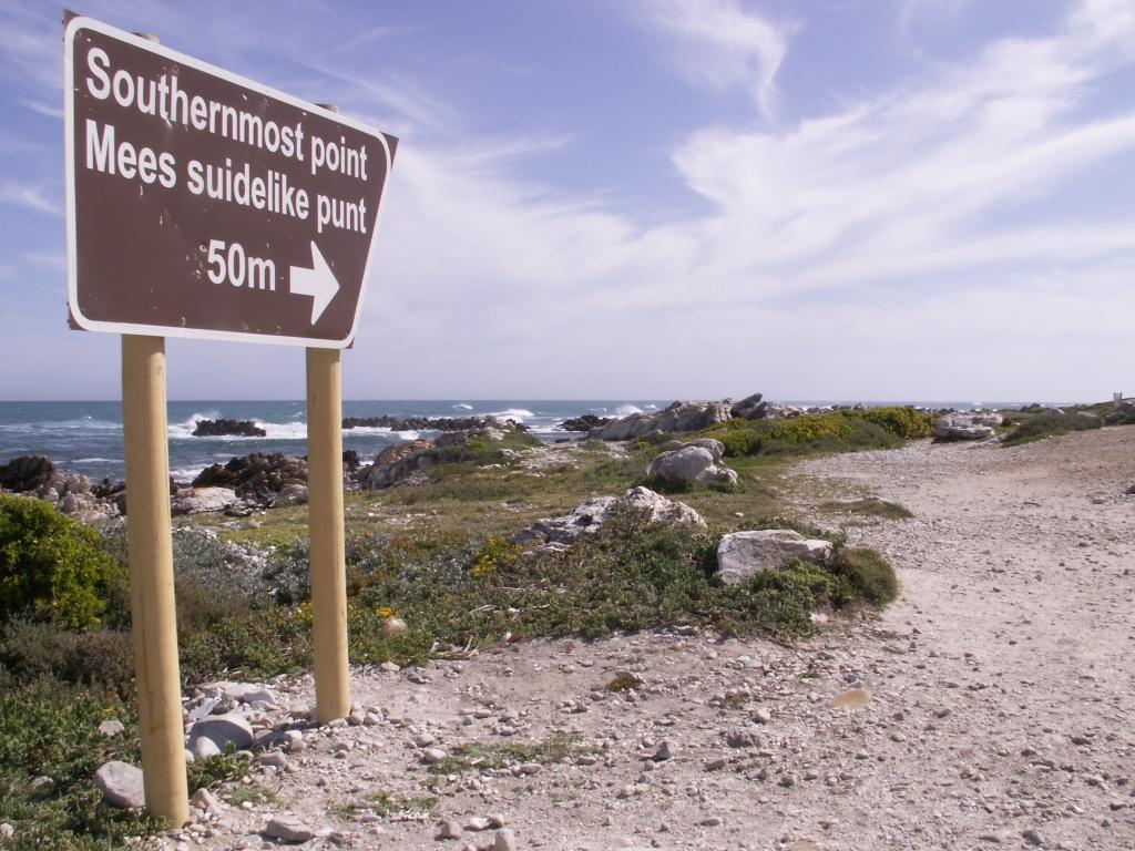 Onderweg naar de zuidelijkste punt van het Afrikaanse continent, Cape Agulhas.