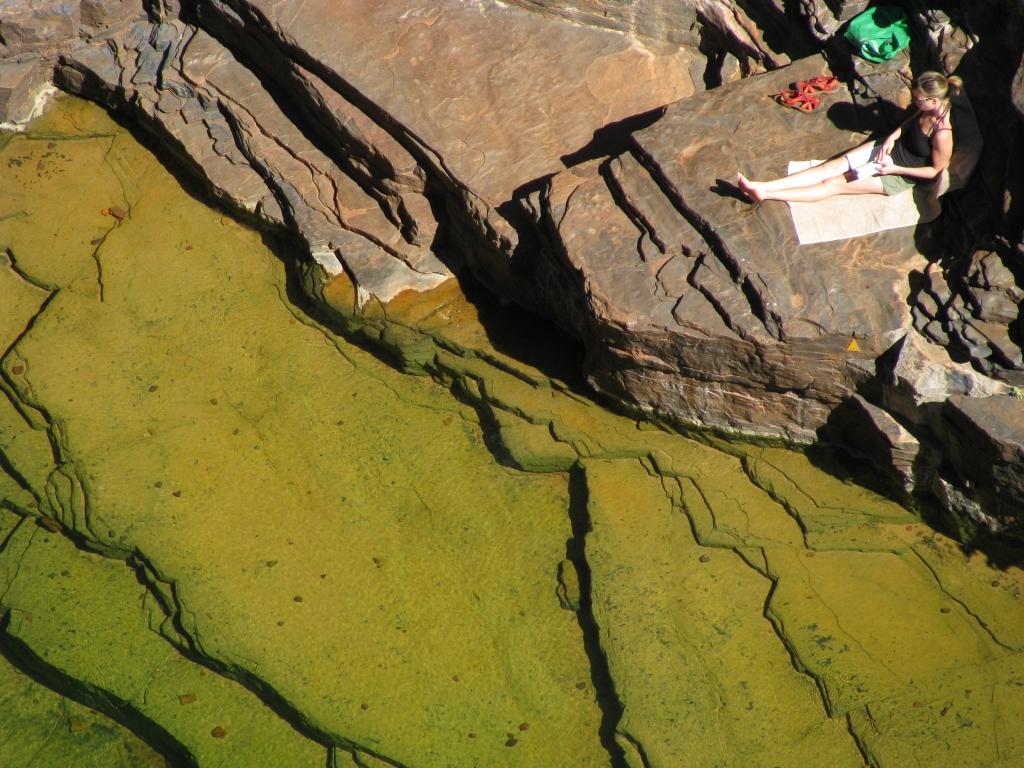 Karijini NP - Afdalen tot in de kloof voor een rustig plekje