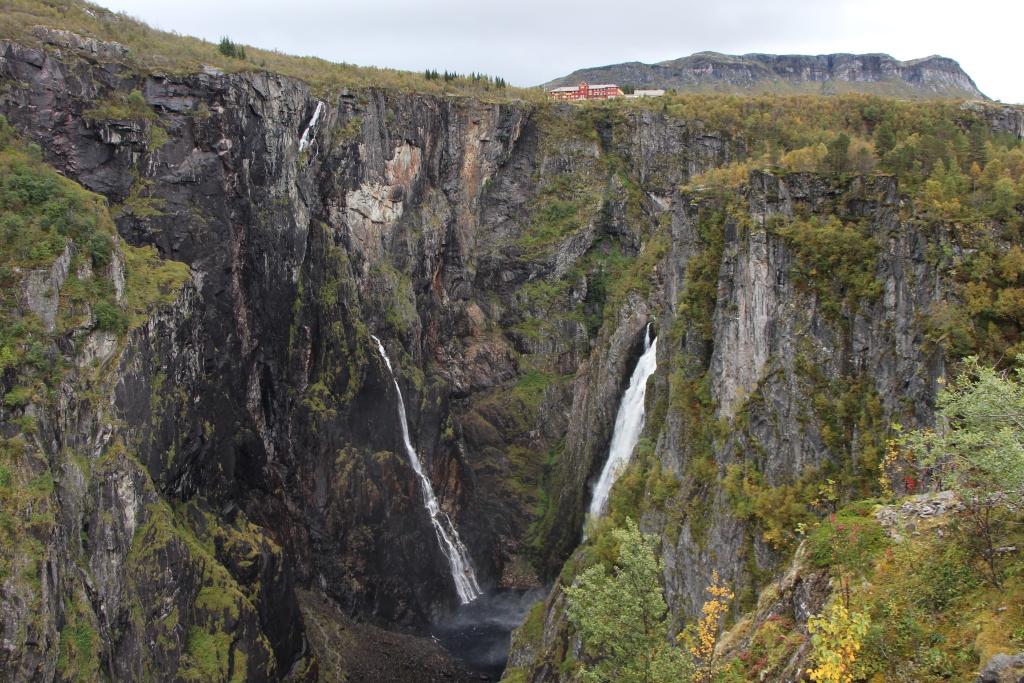 Zuid-Noorwegen - Vøringfossen, 145 meter donderend geweld