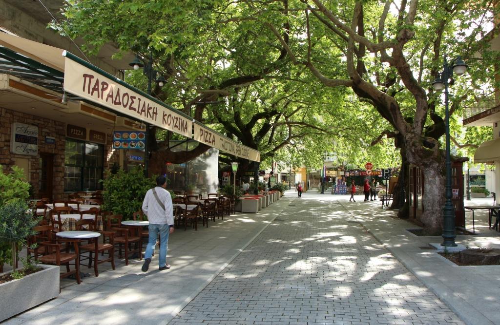 Op zoek naar een restaurant in het rustige centrum van Olympia
