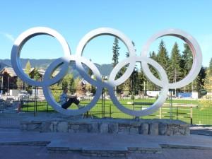De olympische ringen van Whistler, waar in 2010 de winterspelen werden gehouden.