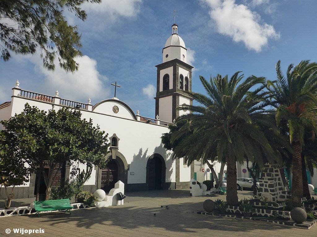 Het Plaza de las Palmas met de Iglesia de San Ginés