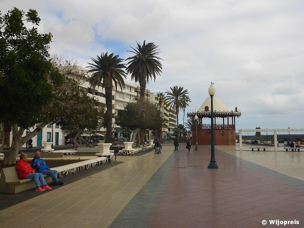 Stadspromenade langs Avenida la Marina