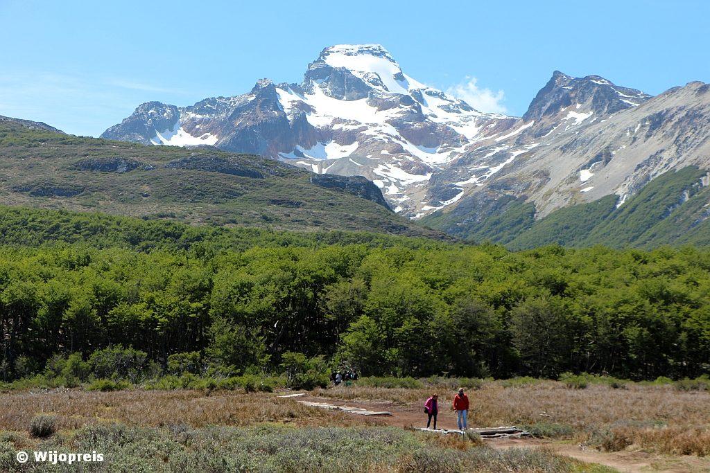 De open vlakten geven prachtig uitzicht op de omringende bergen