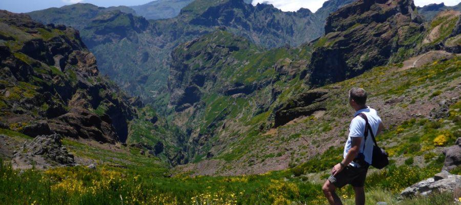 Prachtig-uitzicht-vanaf-Pico-do-Arieiro-1818-meter