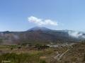 Santiago del Teide in het noordwesten met El Teide op de achtergrond